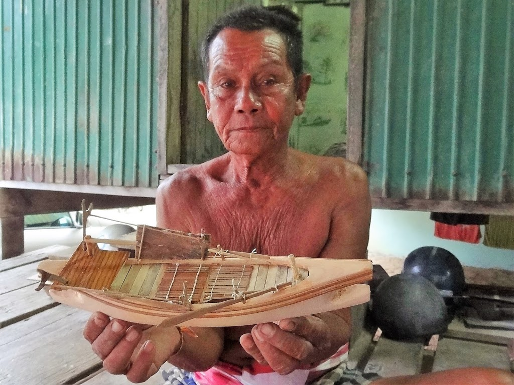 Crafting the sea gypsy journey – Koh Siray's last boat builder